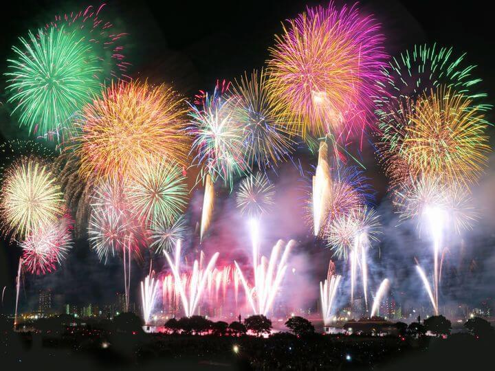 琉球海炎祭の花火の写真