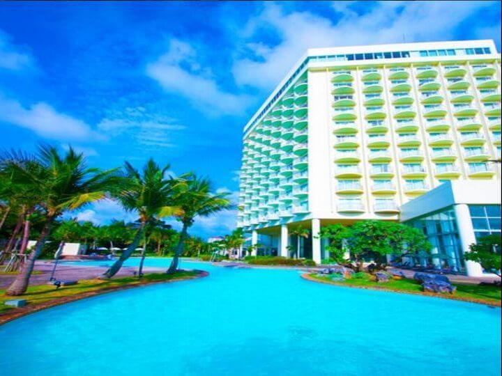 ラグナガーデンホテル沖縄の外観