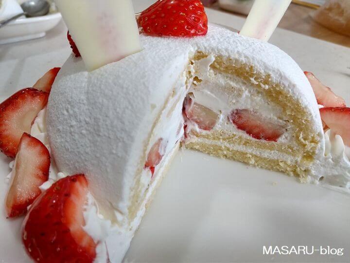 業務スーパーケーキの断面